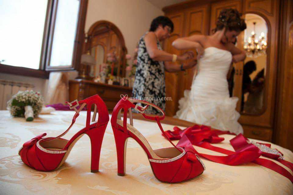 Sposa Scarpe Rosse.Scarpe Sposa Rosse E Swarovski Di Andrea Iommi Foto 47