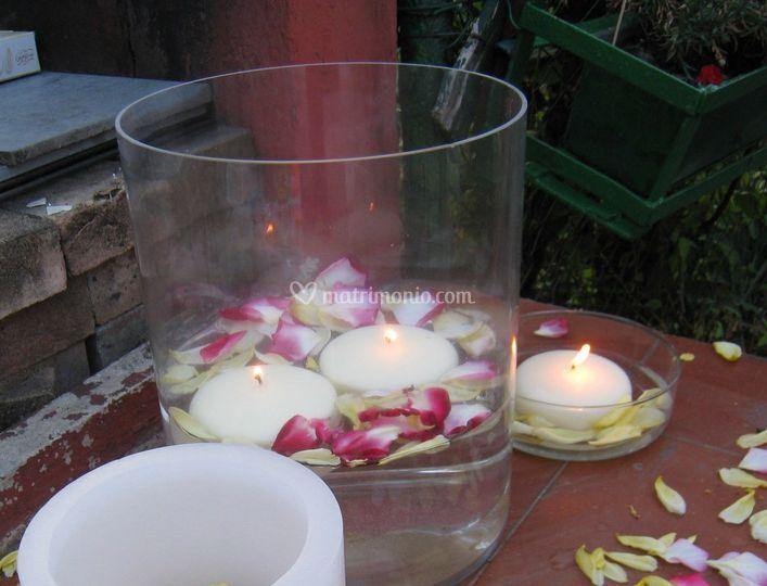 Candele Galleggianti e petali