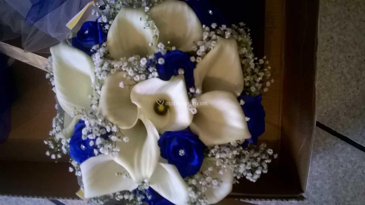 Bouquet Sposa Rose Blu.Bouquet Calle E Rose Blu Di Flor Idea Foto 3