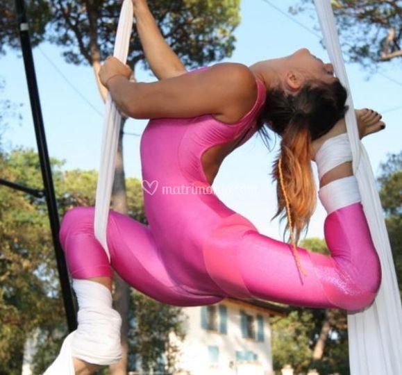 PinkMary contorsioni