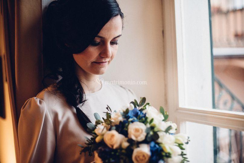 Ritratto con bouquet