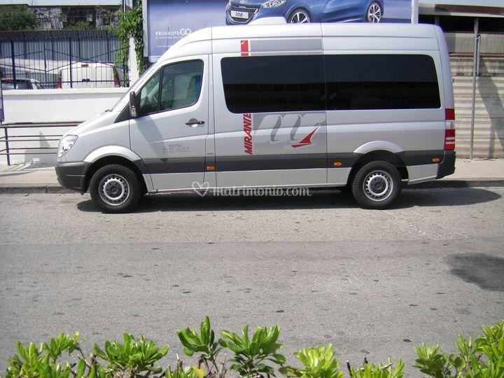 Minibus Mercedes-Benz