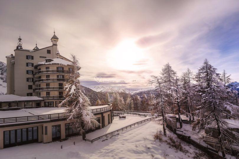 Esterno Hotel dopo nevicata