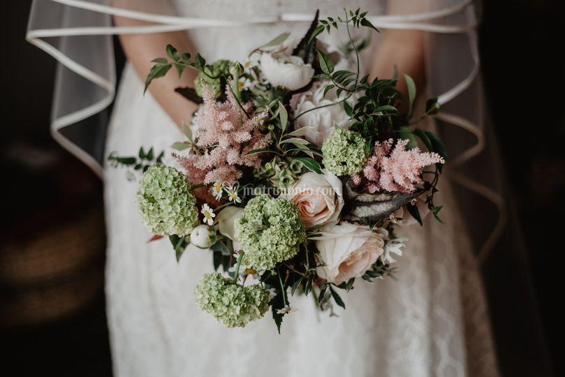 Bouquet da sposa verde e rosa