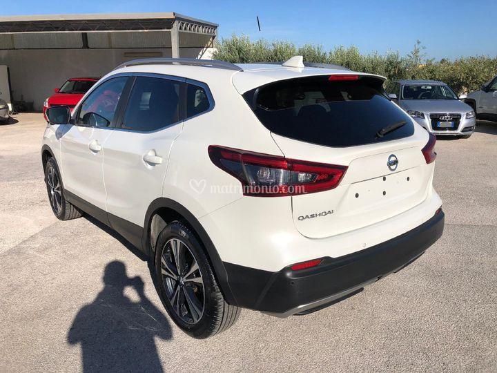 Nissan bianco