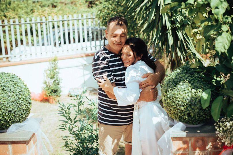 Abbracciando il papà