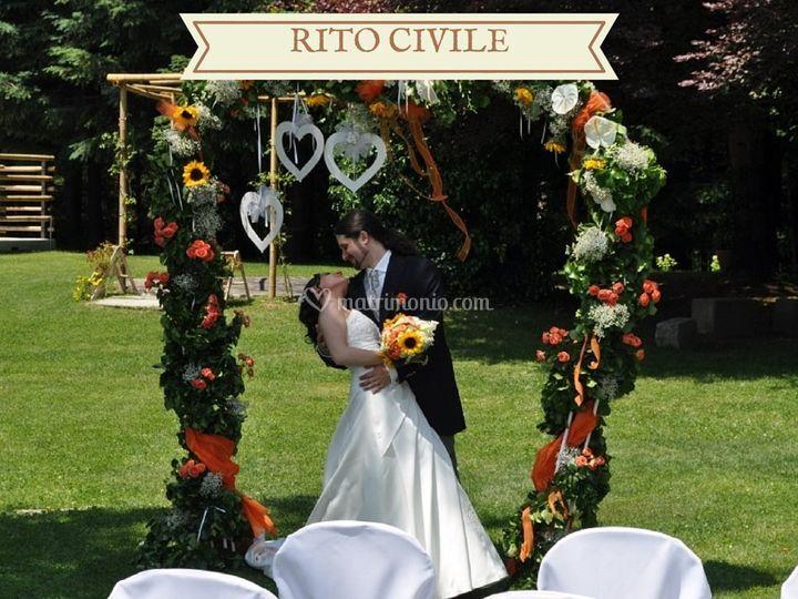 Auguri Matrimonio Rito Civile : Le pinete