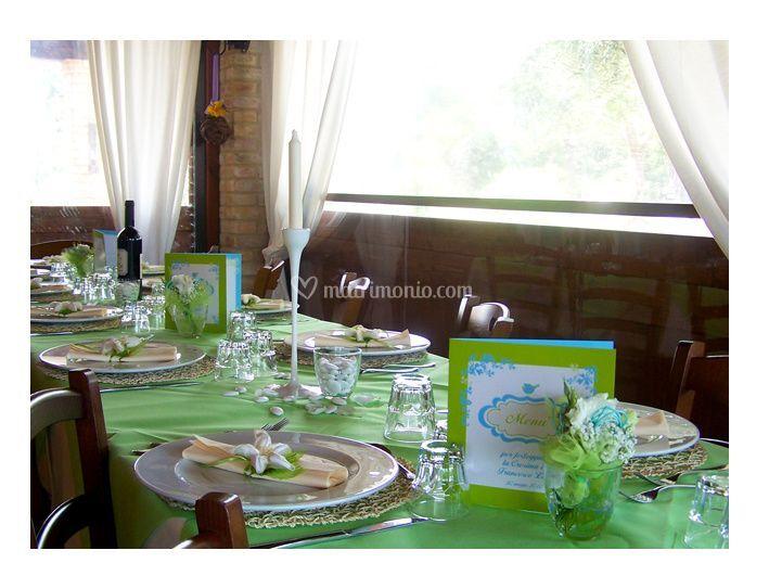 Allestimento tavol, menu e centrotavola