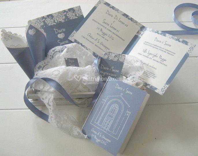 Partecipazioni Matrimonio Azzurro Polvere : Coordinato pizzo azzurro di t invito a nozze foto