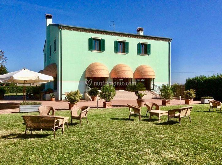 Villa Saraceni - La Villa