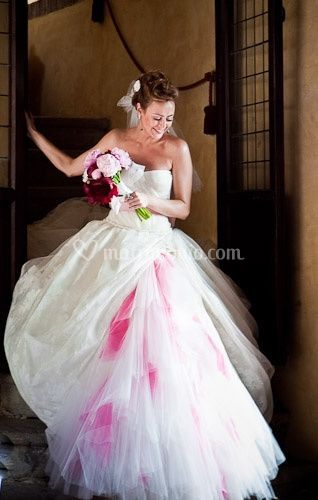 Matrimonio Originale Toscana : Matrimonio da favola colorato per tanya e jamil
