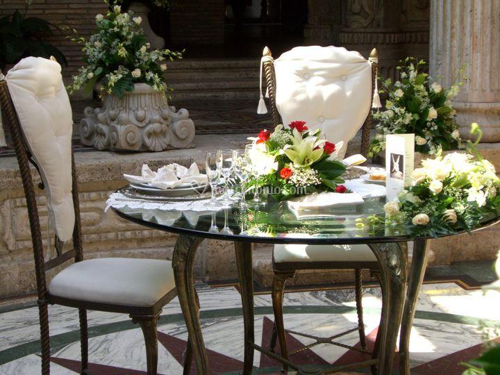 Il tavolo degli sposi nella sala del peristilio