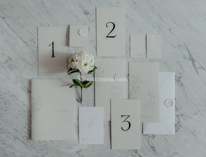 Thin floral suite