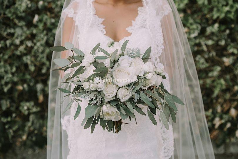 Natural bridal bouquet