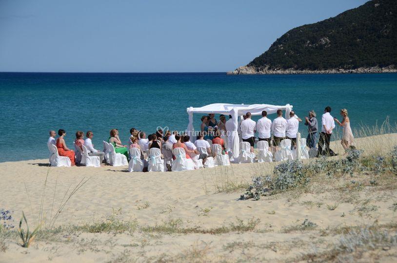 Matrimonio In Spiaggia Villasimius : Location di hotel garden beach foto