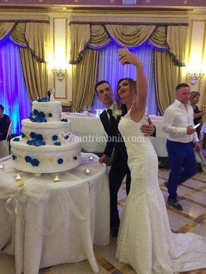 Selfie wedding cake