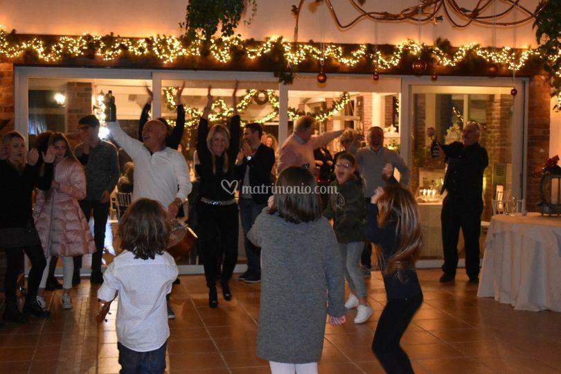 Dancing, Scale Di Domi