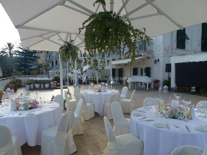 Banchetto terrazza S.Aurora di Royal Hotel Sanremo | Foto 11