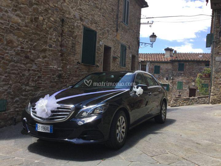 Auto Mercedes con autista