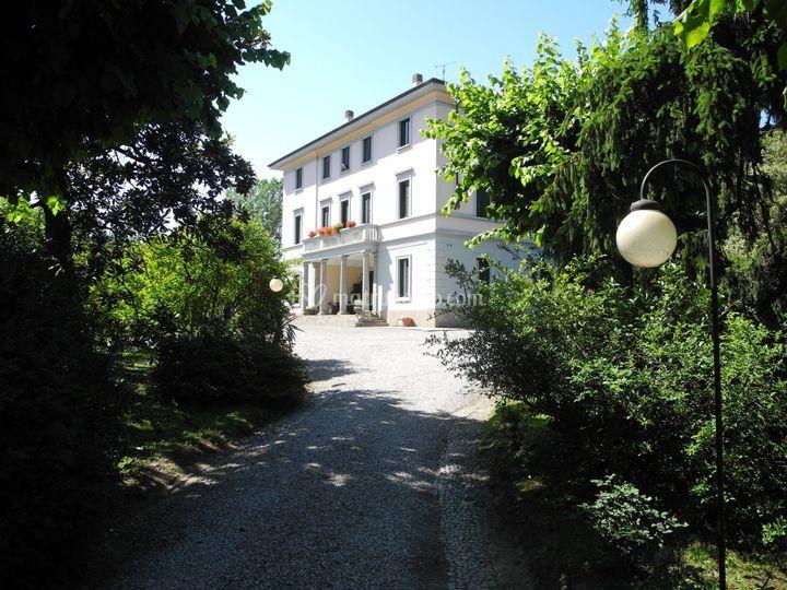 L'entrata della Villa