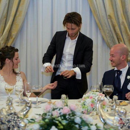 Matrimonio al tavolo sposi