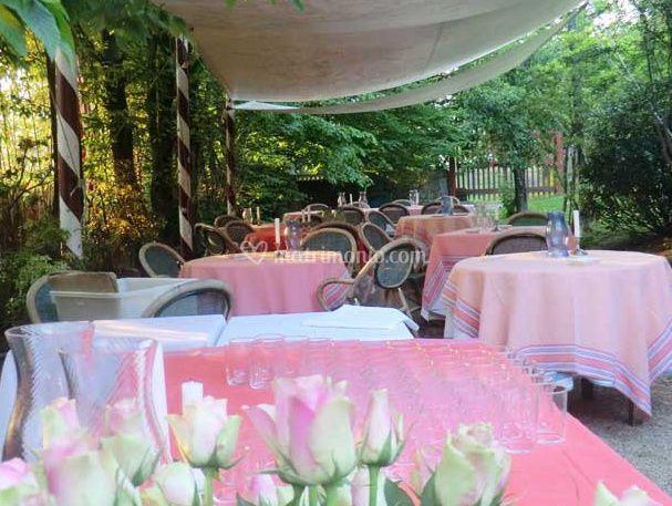 Osteria al castelletto for Decorazione giardino matrimonio