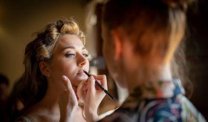 Jade Make-Up Design 1