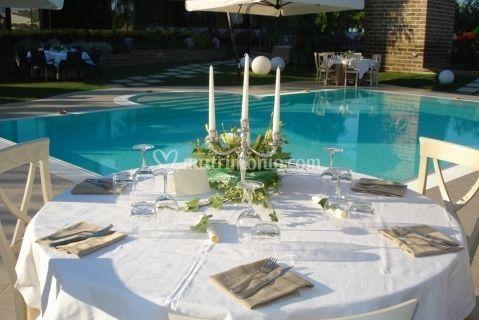 Banchetto a bordo piscina