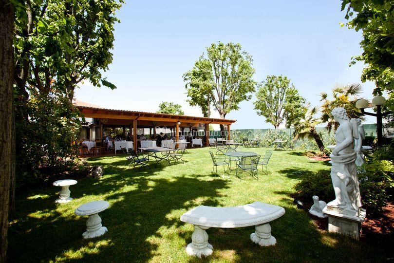 Il giardino con barbecue di ristorante la guardia foto 27 for Il giardino milano ristorante