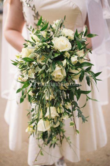 Bridal bouquet a cascata