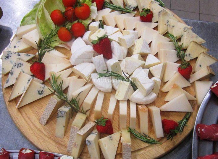 Tagliare di formaggi tipici