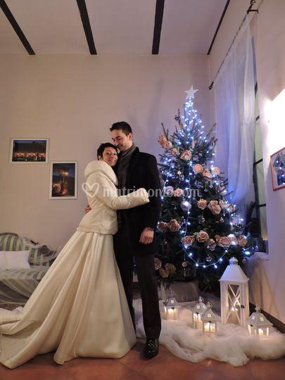 Sposi e albero di Natale