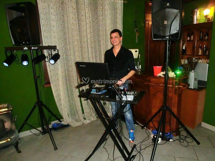 DJ, animatore e ballerino cuba