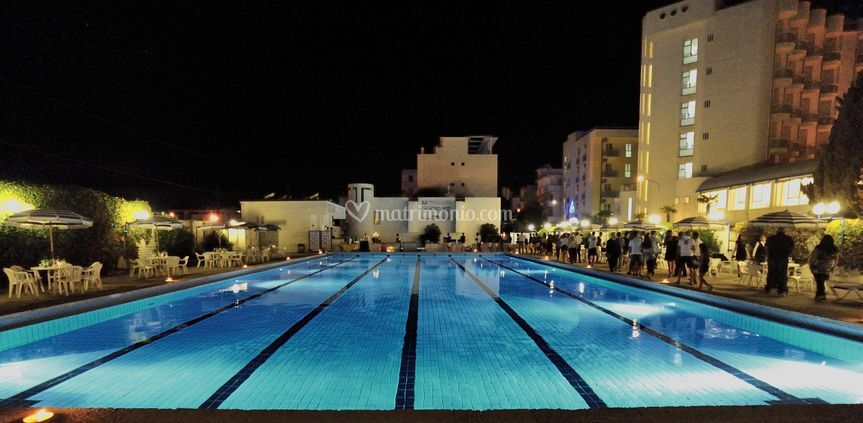Le piscine by night