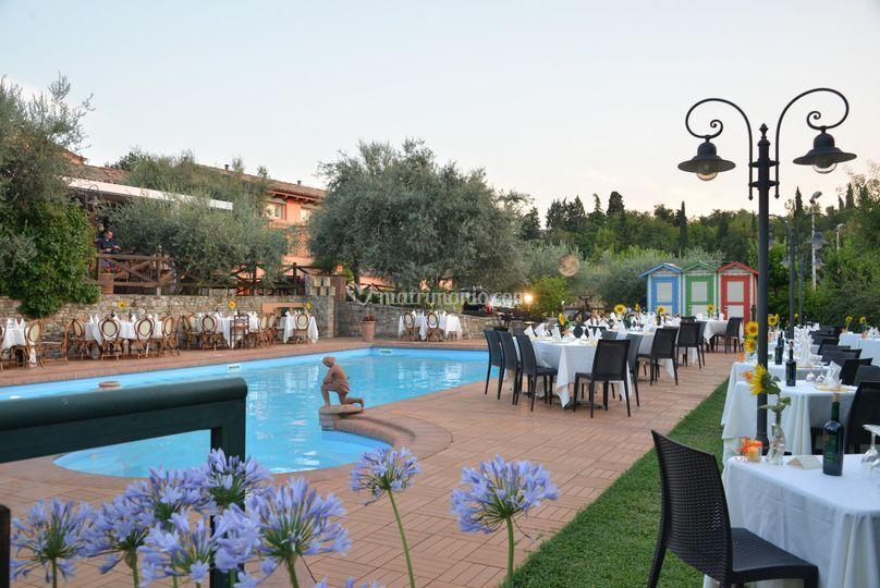 Veduta diurna della piscina di locanda antiche macine for Piantina della piscina