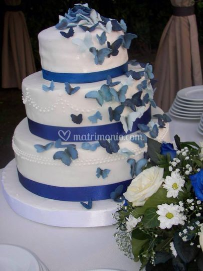 Blu wedding cake