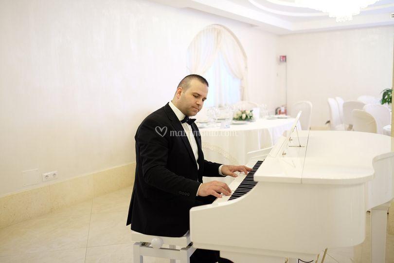 Ciro triassi al piano