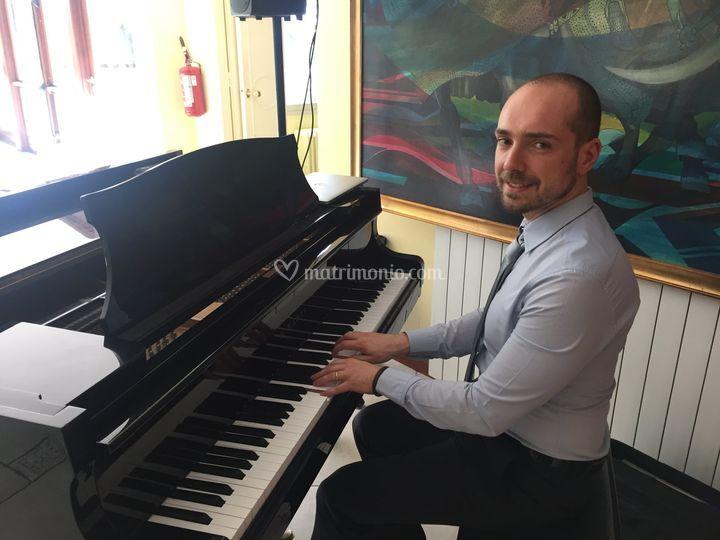 Fabio al piano