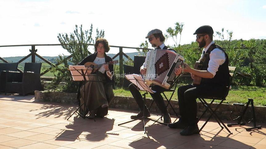 Trio Mandolino durante Aperiti