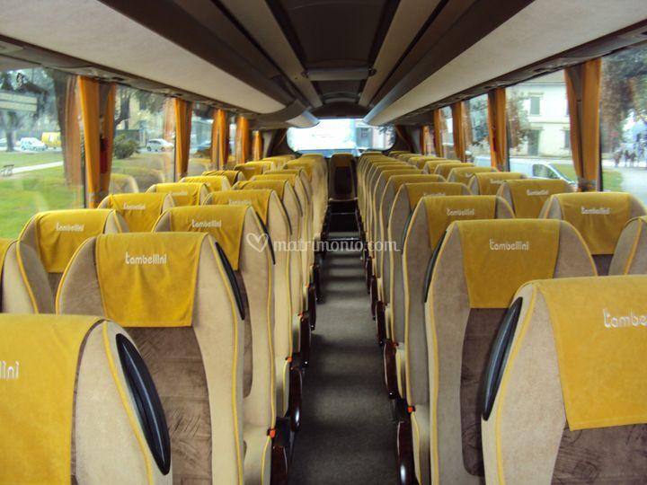 Autonoleggi g tambellini for Interno autobus