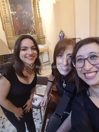 Sara Fratini chitarra e voce