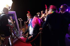 Selfie Events Magic Mirror Photobooth
