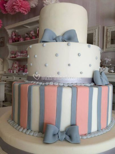 Wedding cake colorata