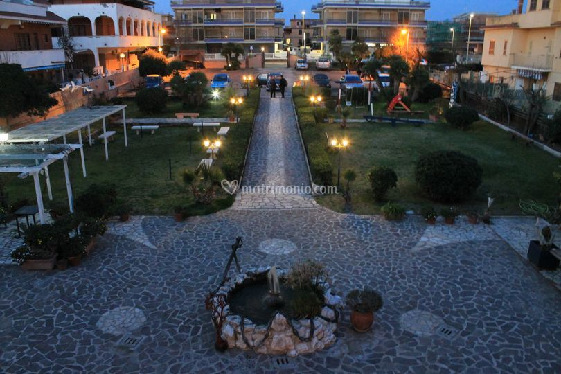 Vista del piazzale giardino