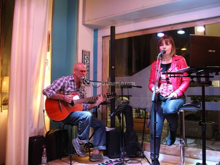 Live guitar acoustic duo