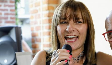 Clara Visentin Vocalist & Team 2