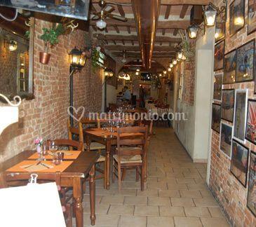 Ambiente rustico di ristorante pizzeria il vicolo foto for Ambiente rustico
