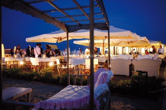 Matrimonio Spiaggia Rimini : Spiaggia le palme