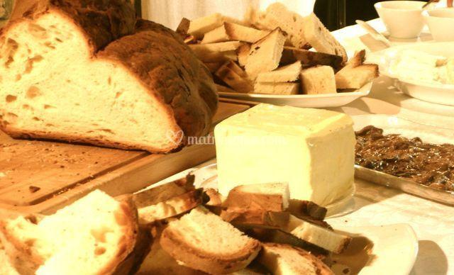 Pane, burro, acciughe