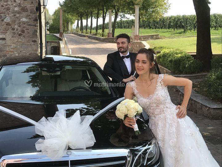 Sposi e auto